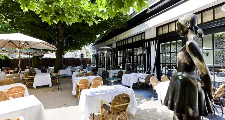 La villa lorraine a la t te dans les toiles dolce world - Resto terrasse jardin bruxelles nanterre ...